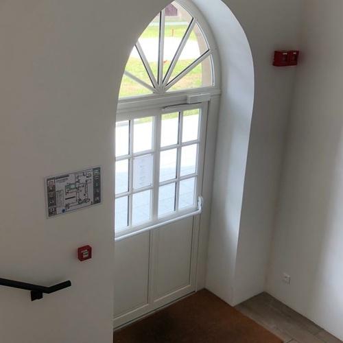 Fenêtre bois et porte d''entrée bois avec imposte fixe - Dinan -22