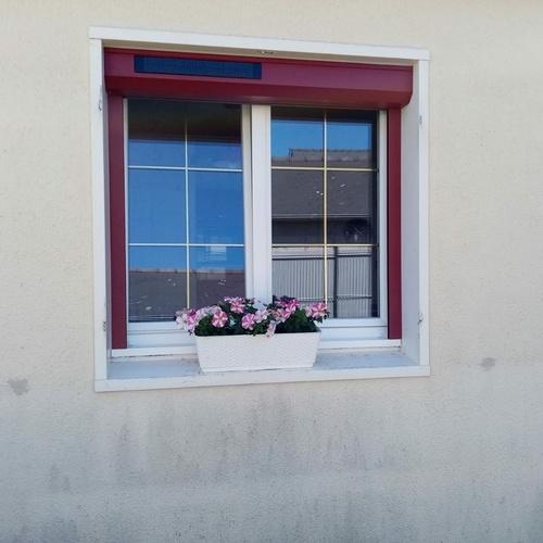 Installation fenêtres aluminium - volets solaires motorisés