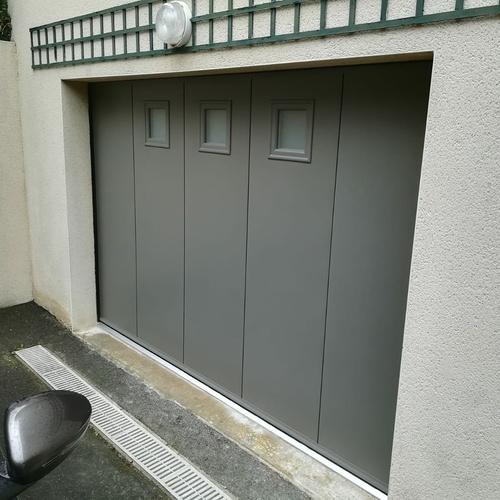 Porte de garage alu basculante grande largeur