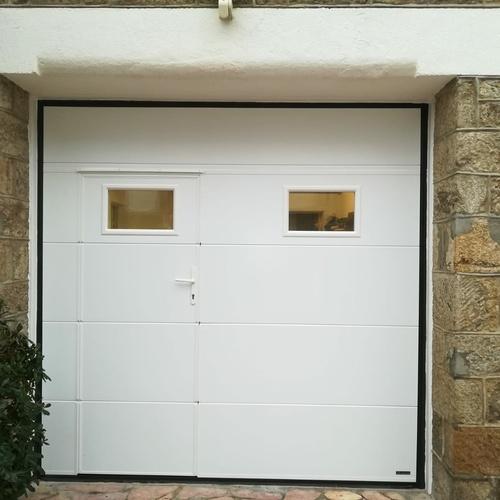 Porte de garage avec portillon intégré - PVC blanc