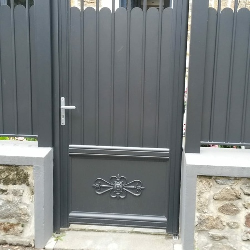 Portillon battant aluminium
