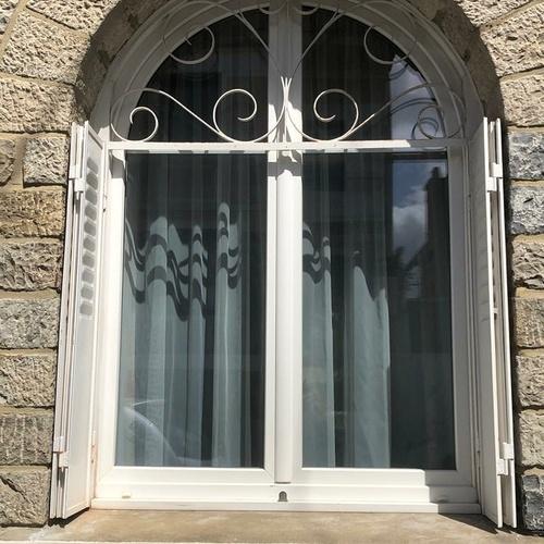 Pose d''une fenêtre en PVC - Côtes-d''Armor (22)