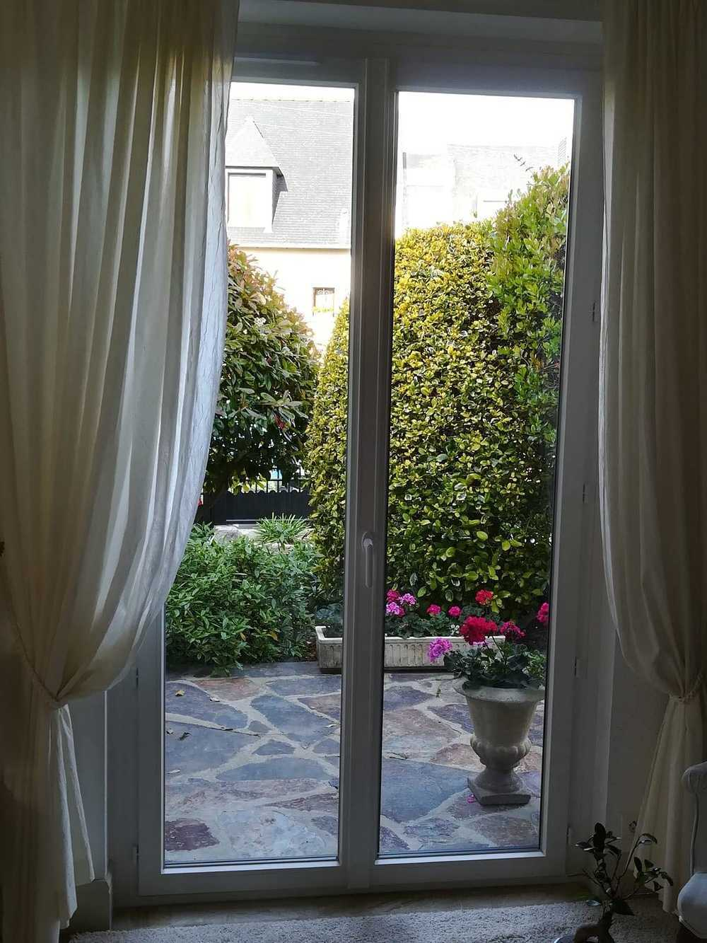 Porte-fenêtre 0