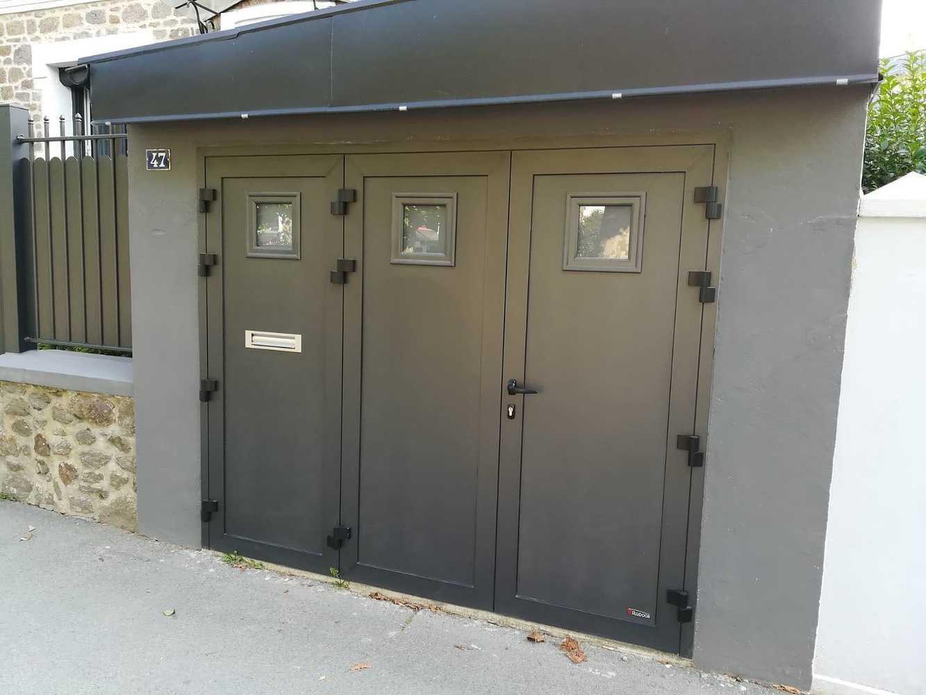 Porte de garage battante 0