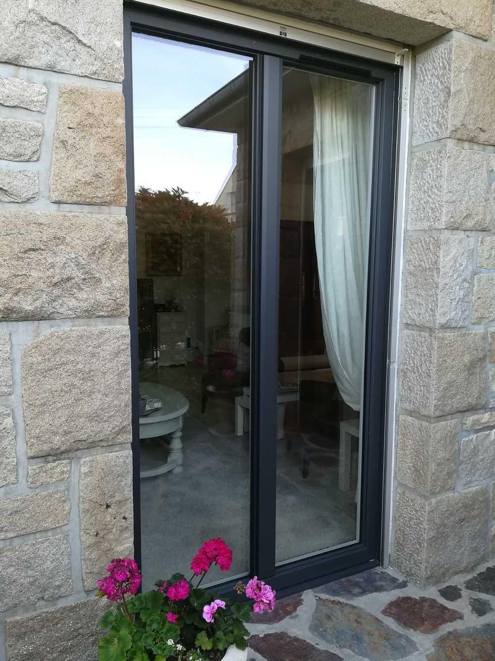 Pose d''une porte vitrée à Saint-Malo (35) 0