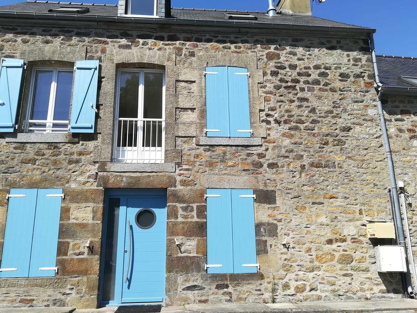 Installation d''une porte d''entrée et de volets bleus - Ille-et-Vilaine (35) 0