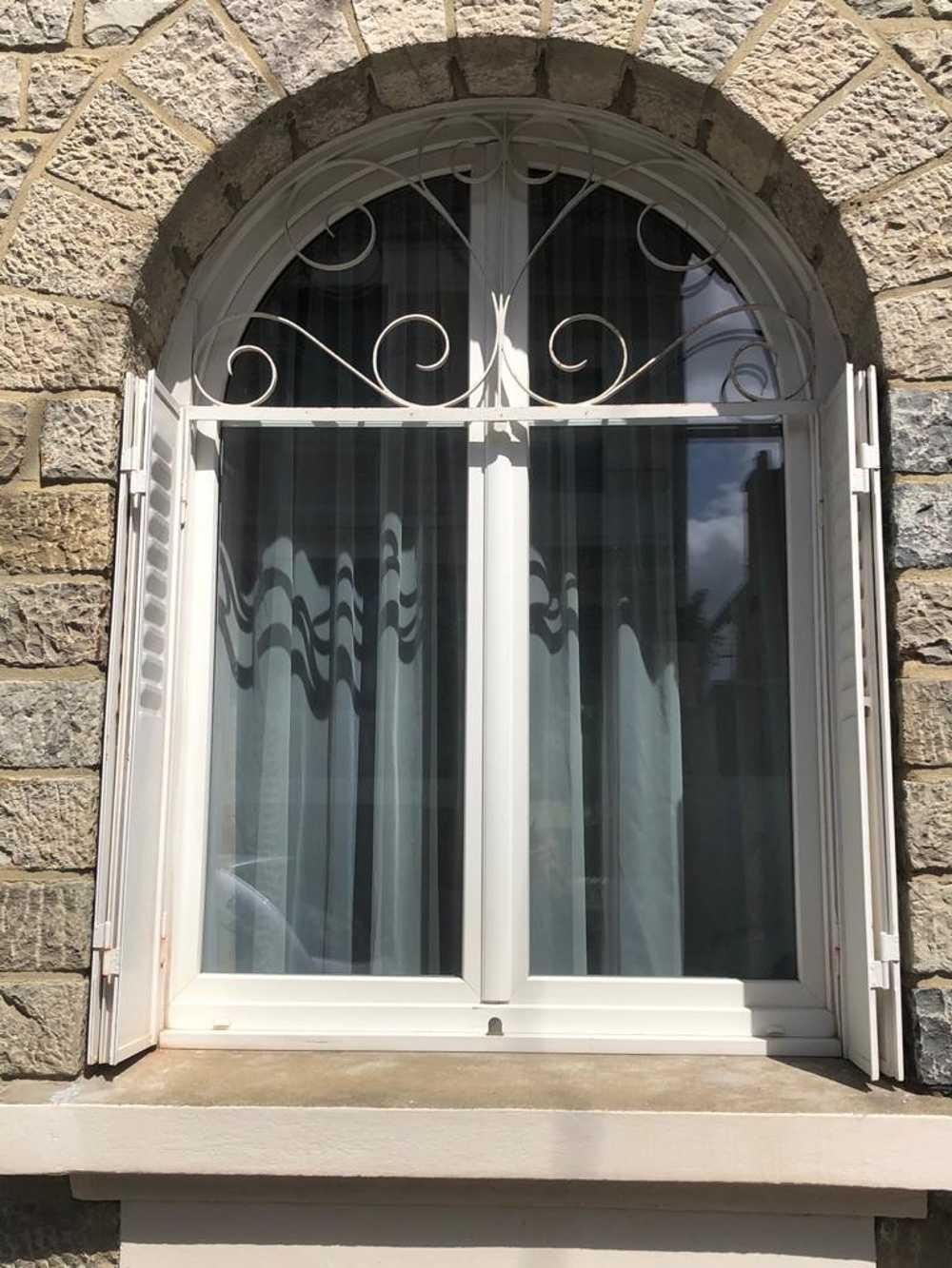 Pose d''une fenêtre en PVC - Côtes-d''Armor (22) 0