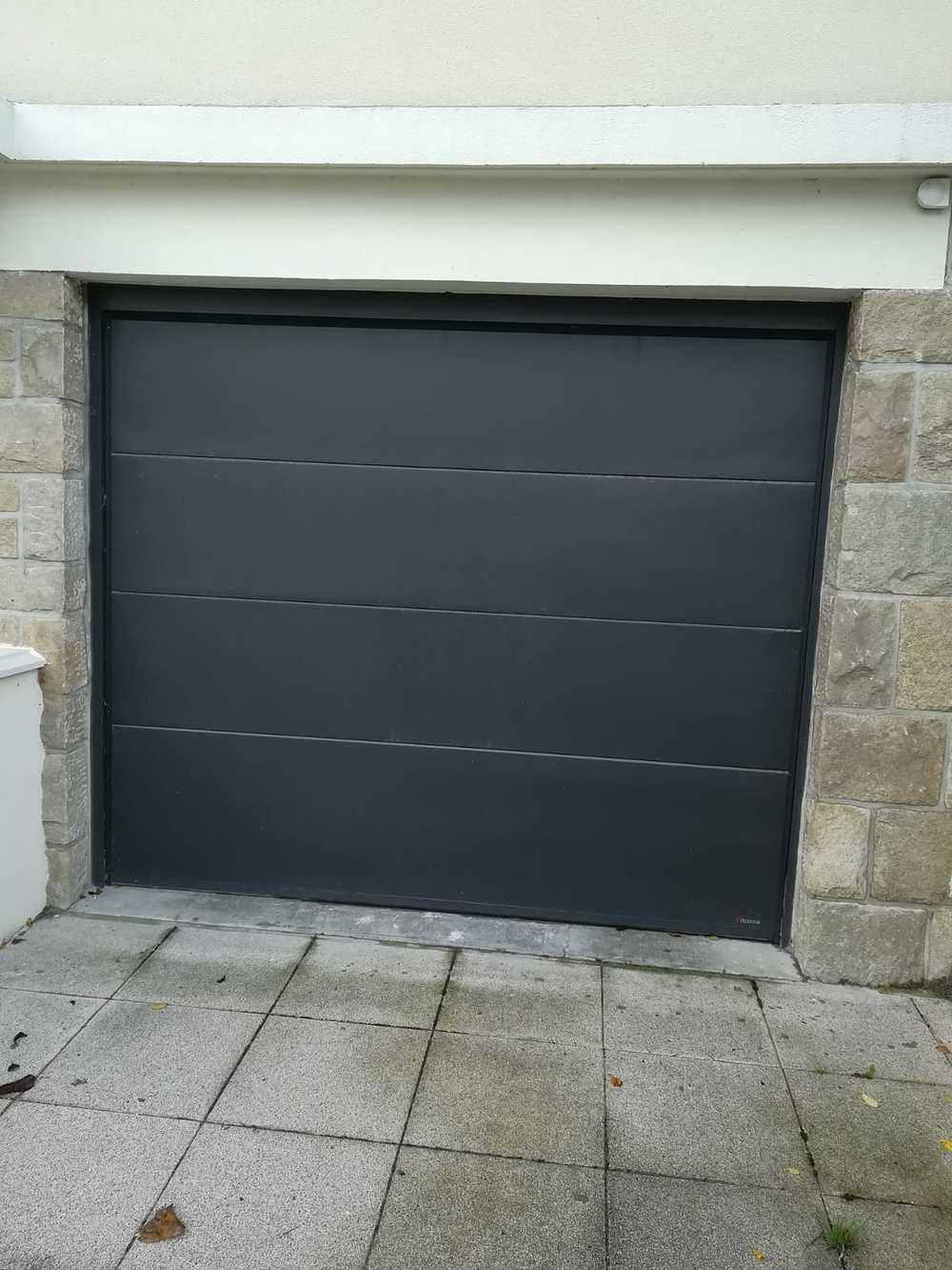Pose d''une porte de garage gris anthracite à enroulement - Côtes-d''Armor (22) 0