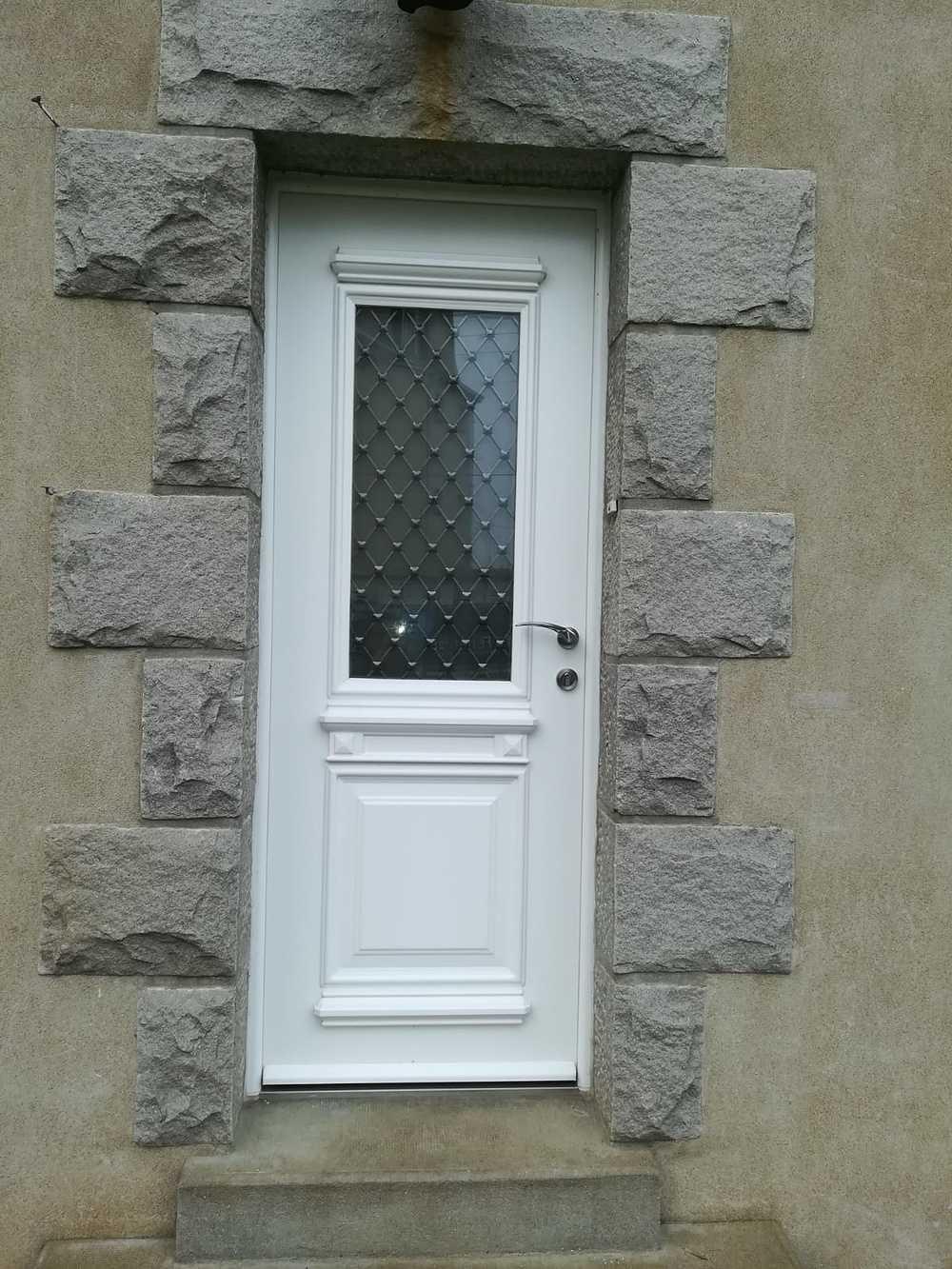 Rénovation porte d''entrée PVC avec vitrage à l''ancienne 0