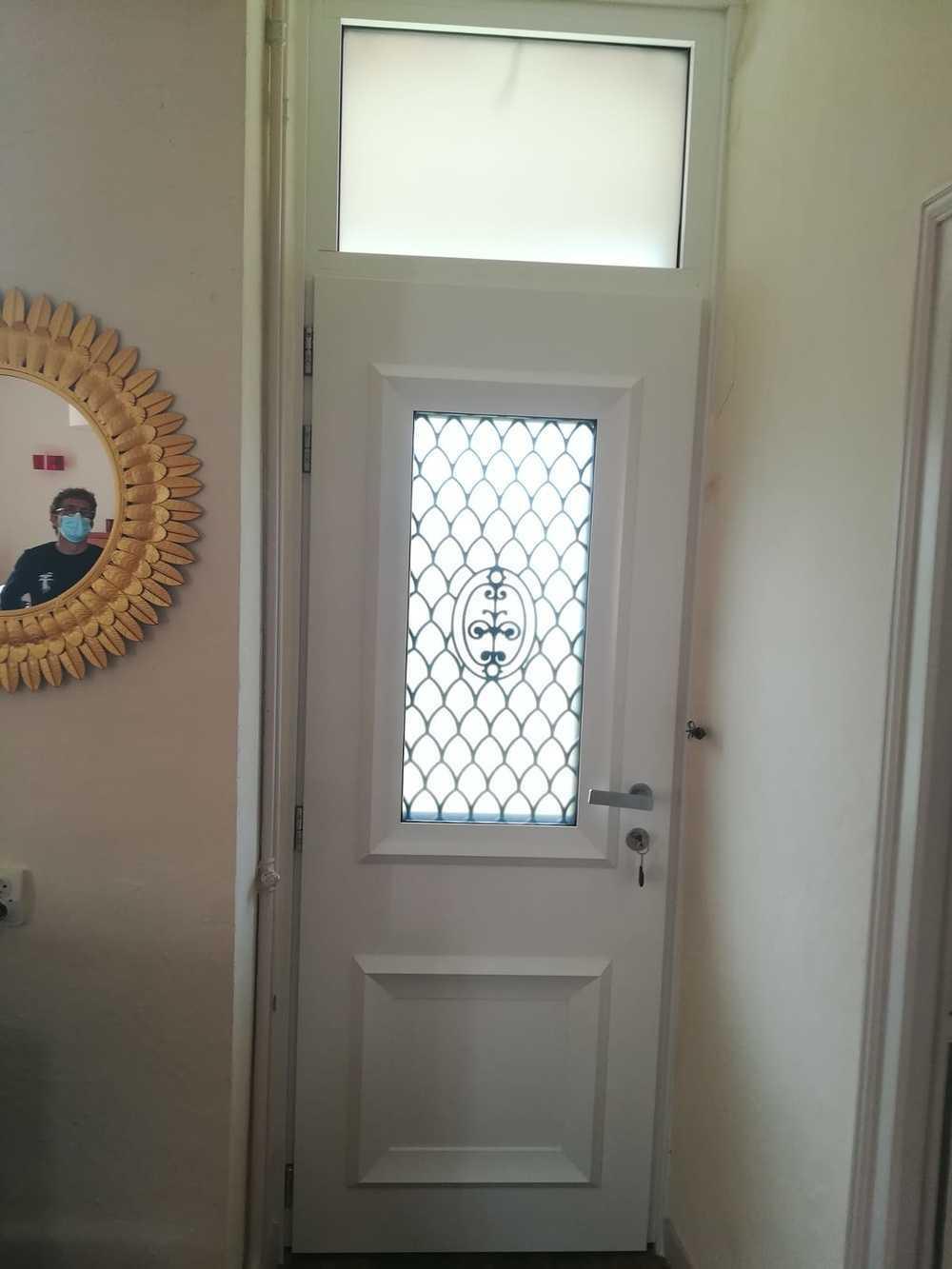 Installation porte d''entrée alu avec imposte index