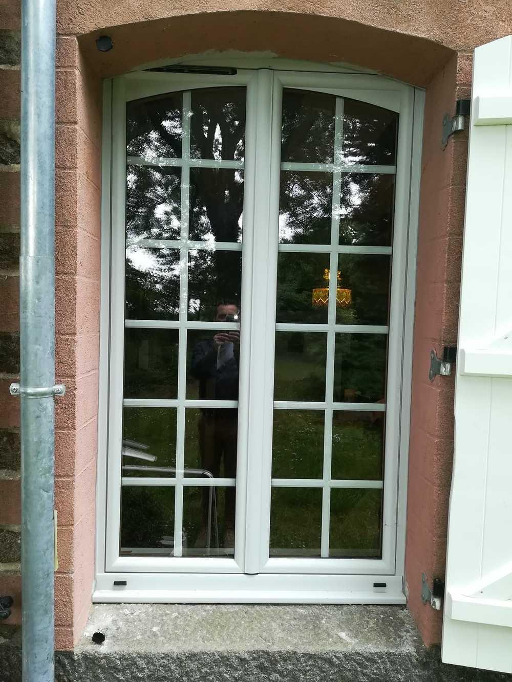 Fenêtre sur-mesure aluminium à carreaux 0