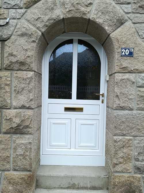 Porte d''entrée aluminium vitrée - cintrée- Saint-Malo e53b63bd-138c-4870-b3e0-9e823abb32de