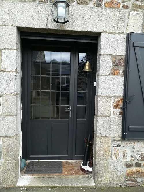 Rénovation porte d''entrée bois - grande largeur - Dinan cd32c2f3-0a11-4dc2-abbe-a018b3b56ada