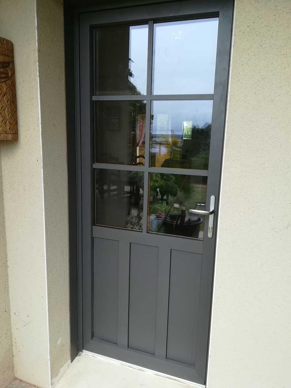 Porte d''entrée classique type fermière- Dinan -aluminium 0